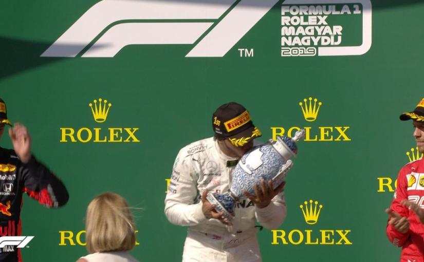 O nouă victorie de pentru Hamilton după ce l-a depășit pe  Verstappen cu 3 tururi înainte definal